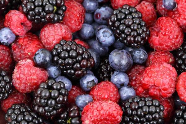 ผิวแลดูกระจ่างใสสุขภาพดีเพราะผลไม้ตระกูลเบอร์รี่